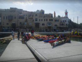 בית ספר לשיט בנמל יפו - קיאקים על המזח