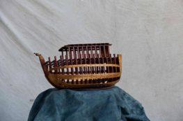 דגם של תיבה מעץ בסטודיו מוטי נטף